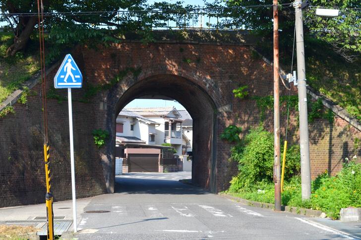 5号暗渠(狭山里道架道橋)