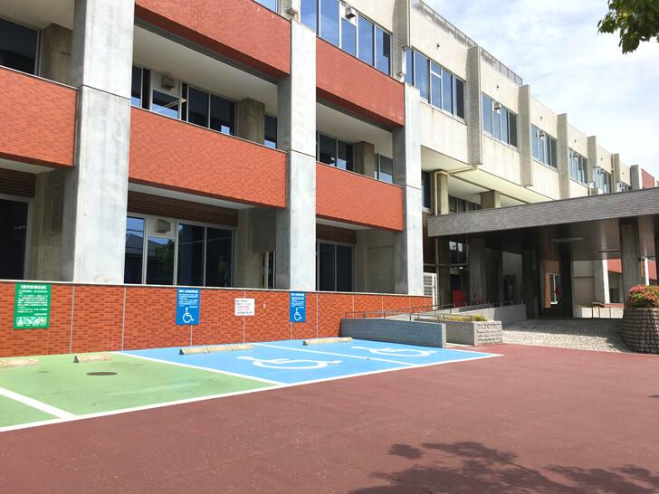大阪狭山市役所駐車場