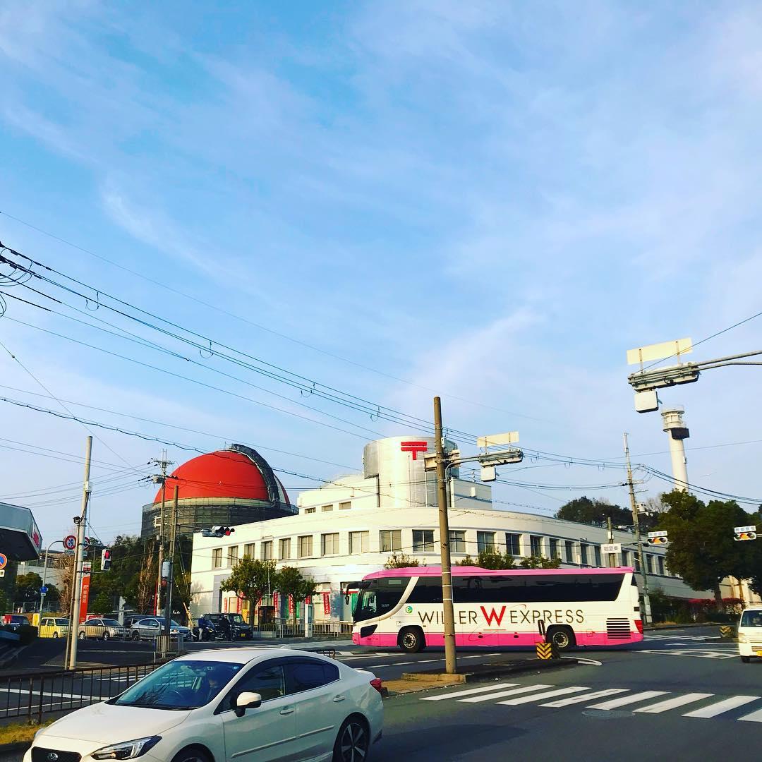 大阪狭山郵便局裏のガスタンクの色が!【さやま散歩】