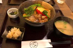 2019-03-18-2 (3)「鉄板焼もろこ」さんで、ランチメニュー『もろこ丼』を食べました