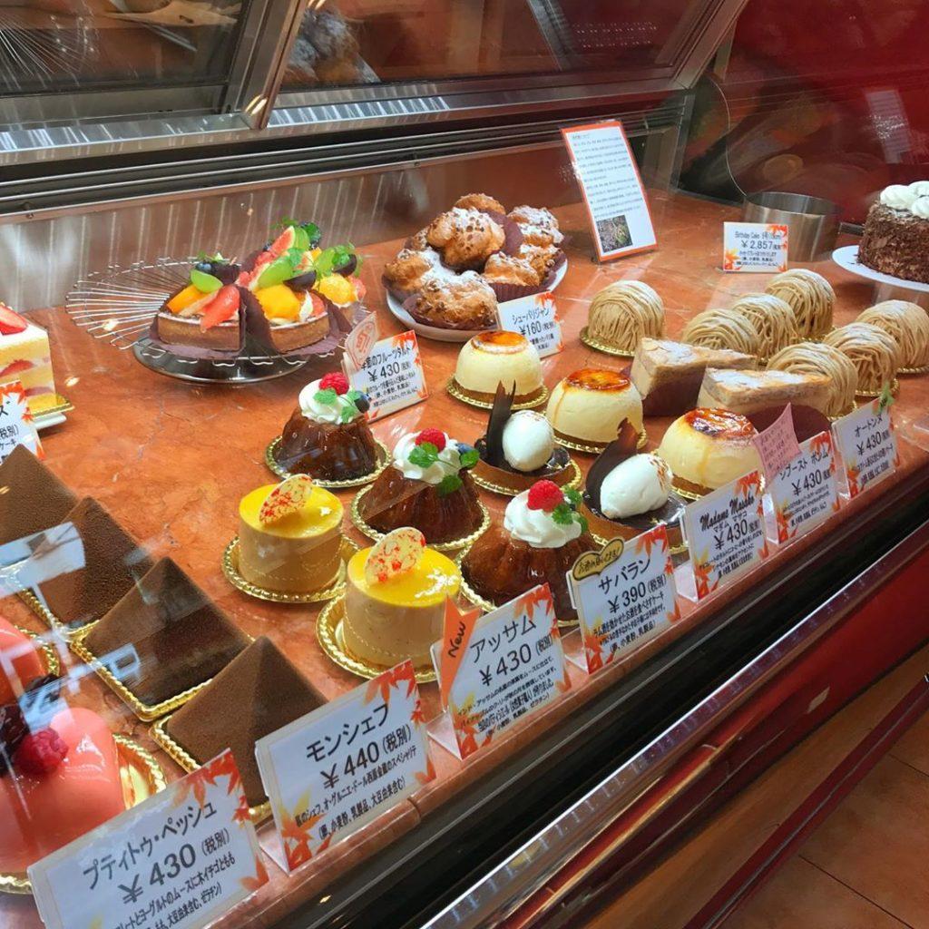 大阪狭山市駅のすぐ近くにあるフランス菓子処「Petite-Peche(プティトゥ・ペッシュ)」に行ってきました (1)
