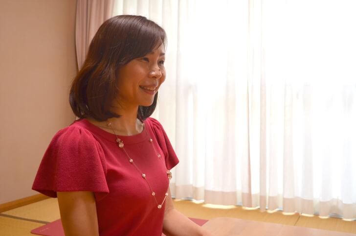 【大阪狭山人-3人目】仕事着そのままヨガ!サロンAkiko(ヨガインストラクター)「武田-明子」さん-(14)