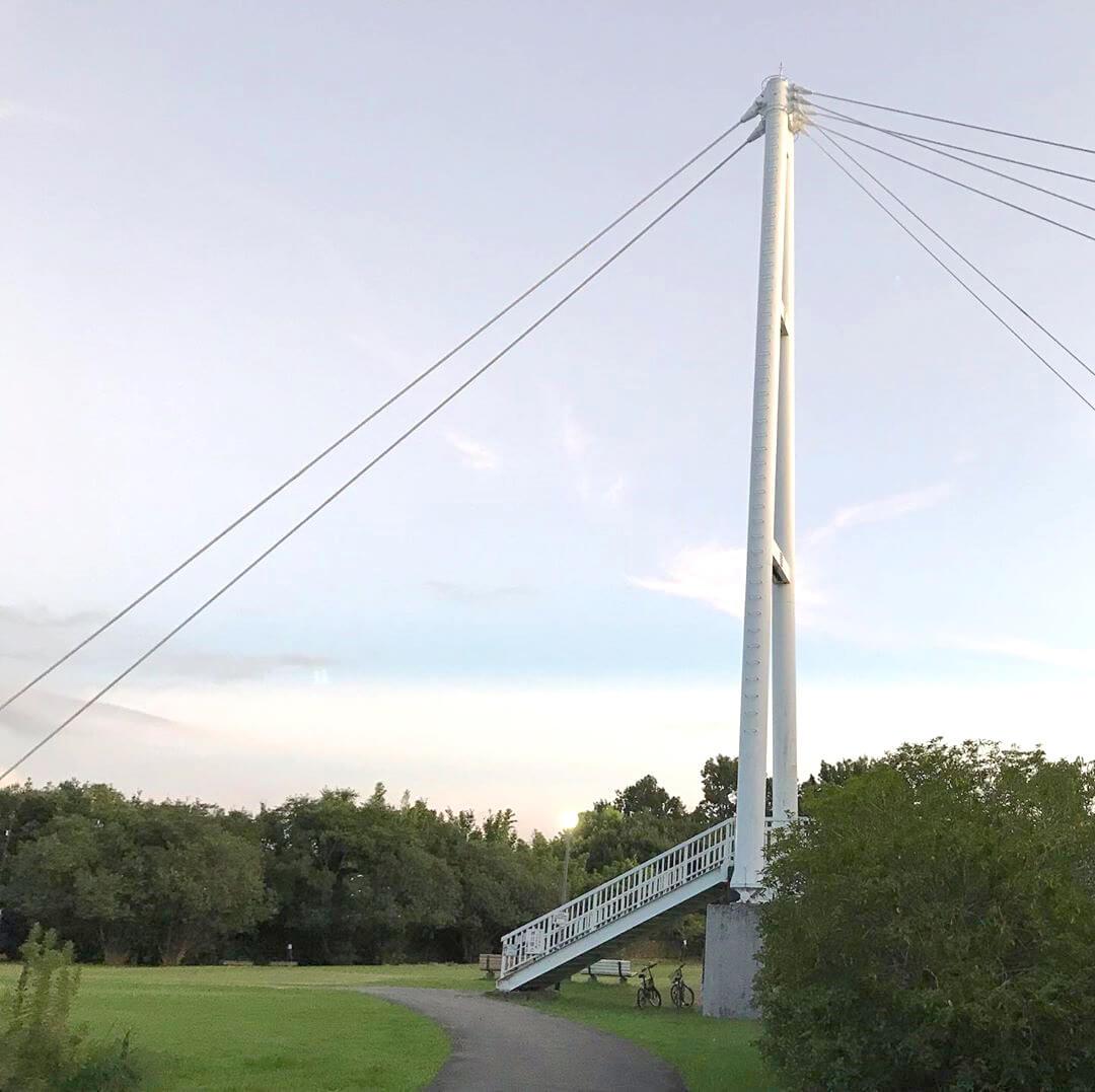 西新町公園から初芝立命館高等学校(旧桃山学院大学)に架かる橋「聖アンデレ橋」に行ってきました (2)
