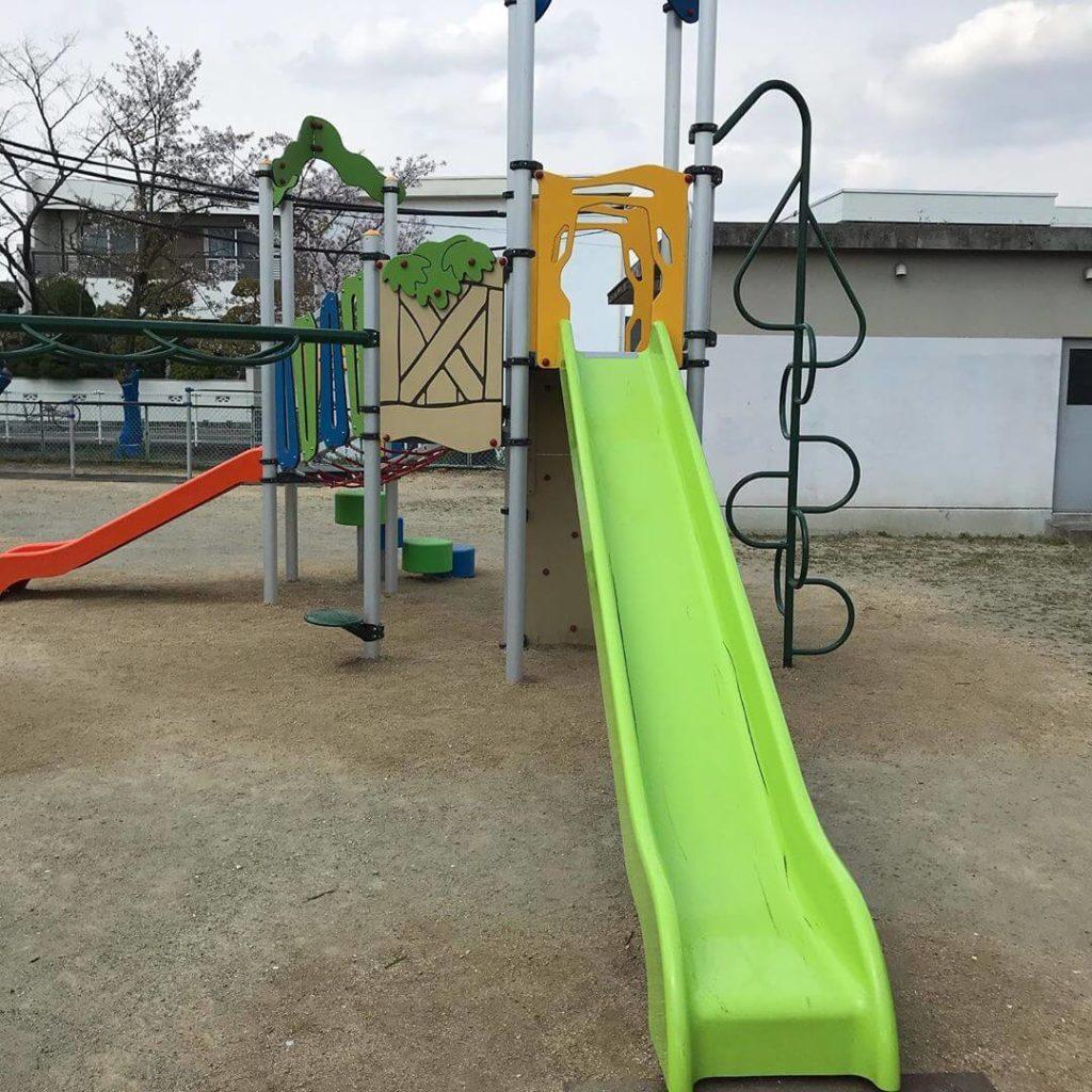 東野第1公園の遊具がリニューアルされているのを発見しました (1)