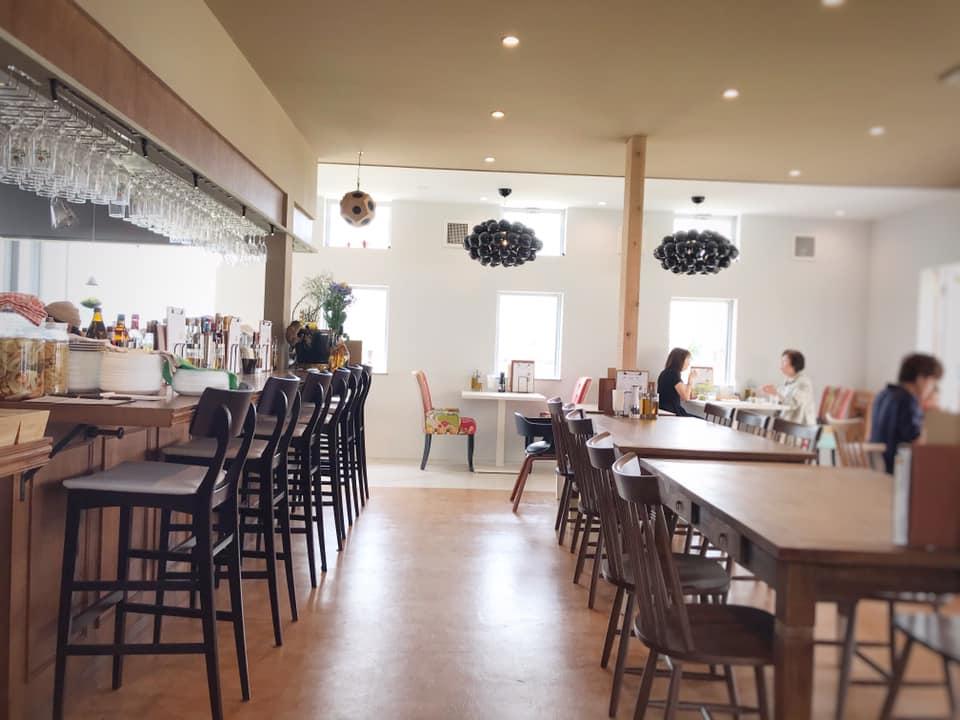 東野にあるcafe&restaurant「ala kitchen(アーラキッチン)」に散歩帰りにランチを食べに行ってきました (7)