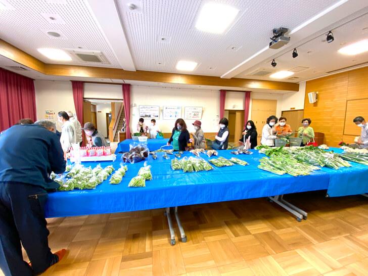 【大阪狭山の新鮮なお野菜】東池尻会館で行われている「朝市」に行ってきました2-(1)