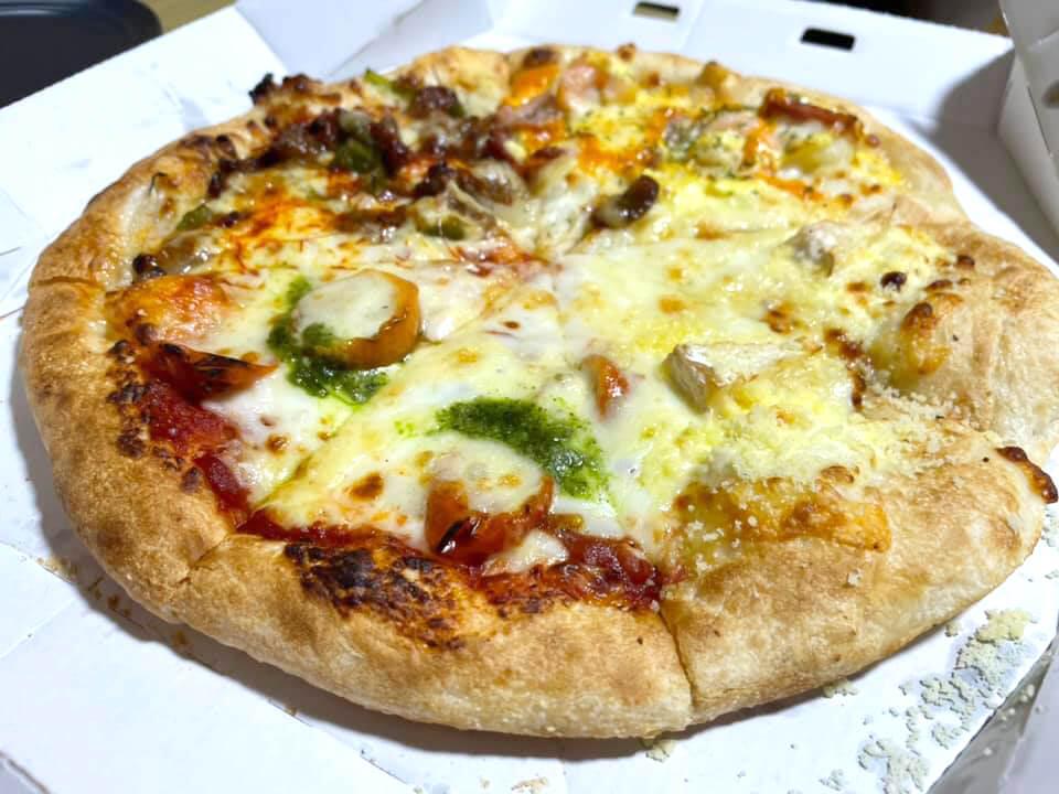 「ピザハット狭山亀の甲店」でピザを注文しました (2)